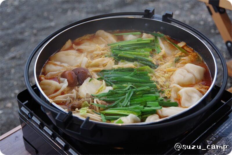 浩庵キャンプ場 夕飯 タフまる 辛そうで辛くない少し辛い担々餃子鍋